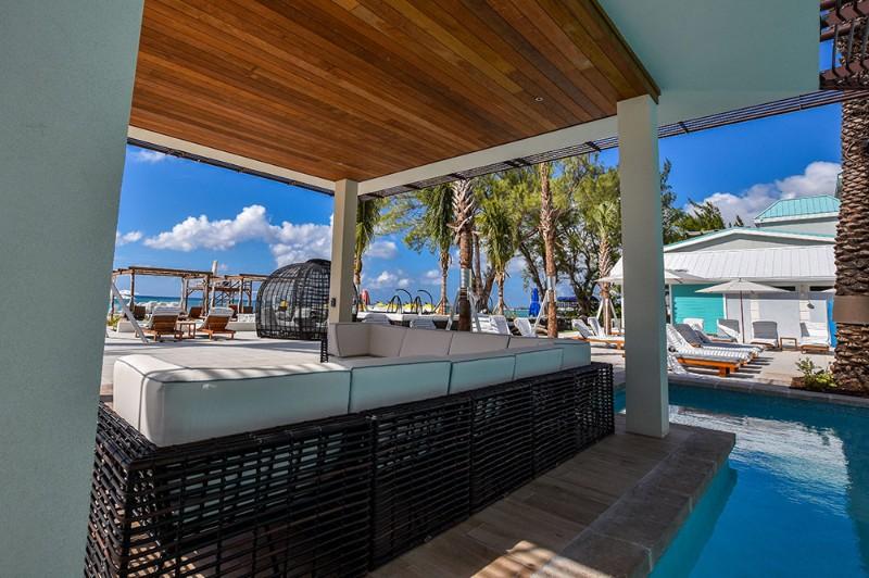 westin-grand-cayman-activities-pool-edge