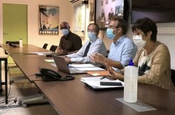 Vaccination campaign against COVID-19 begins on French side