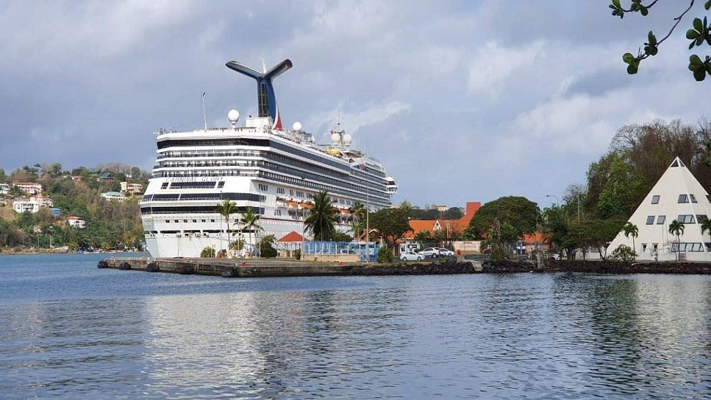 Mandatory vaccination for cruise line employees